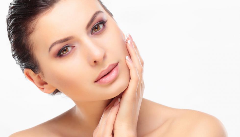 كيف تحافظين على بشرتكِ من خلال التغذية؟